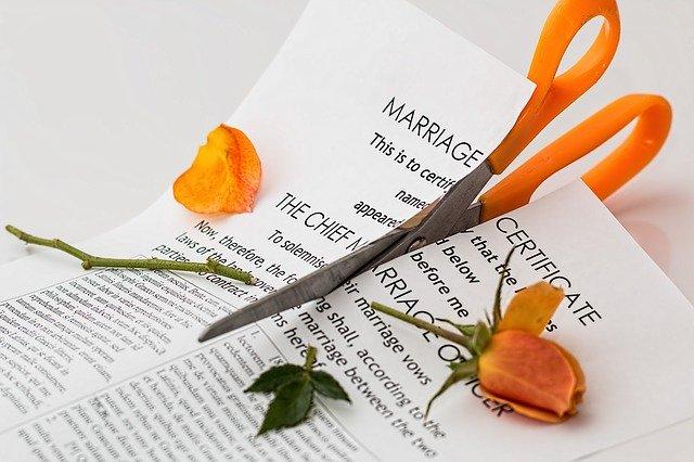 You are currently viewing Nach Scheidung zusätzlich in die Rentenkasse einzahlen – Die Einzahlung zum Ausgleich von Abschlägen durch einen Versorgungsausgleich